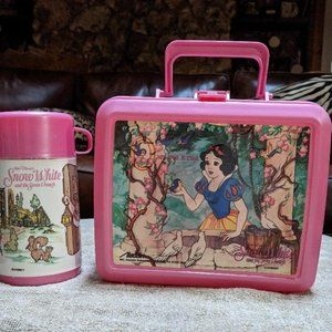 Vintage Disney's Snow White & The Seven Dwarfs Plastic Lunch Box with Thermos